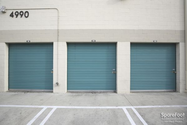 Saf Keep Storage - Los Angeles - Melrose Avenue 4996 Melrose Ave Los Angeles, CA - Photo 4
