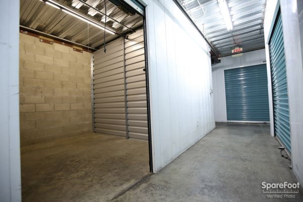 Saf Keep Storage - Los Angeles - Melrose Avenue 4996 Melrose Ave Los Angeles, CA - Photo 8