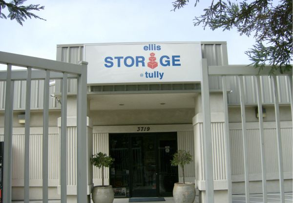 Ellis Storage at Tully and Silverwood RV Parking 3719 Tully Road Modesto, CA - Photo 0
