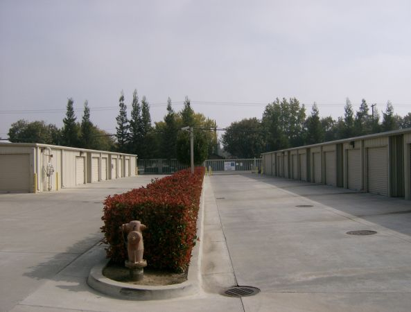 Ellis Storage at Tully and Silverwood RV Parking 3719 Tully Road Modesto, CA - Photo 5