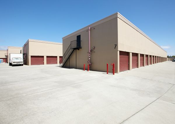 Saf Keep Storage - Redwood City 2480 Middlefield Rd Redwood City, CA - Photo 15