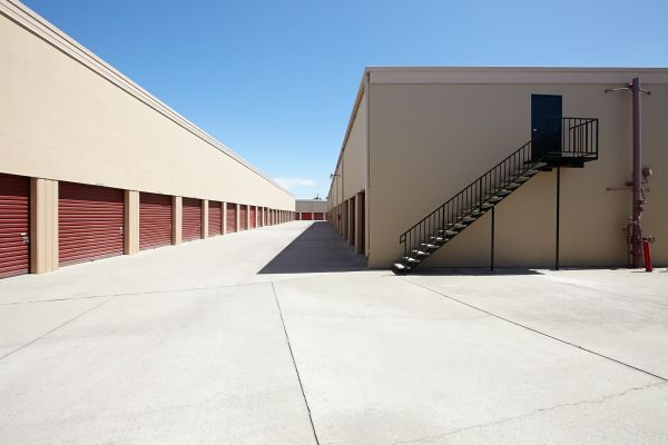 Saf Keep Storage - Redwood City 2480 Middlefield Rd Redwood City, CA - Photo 16