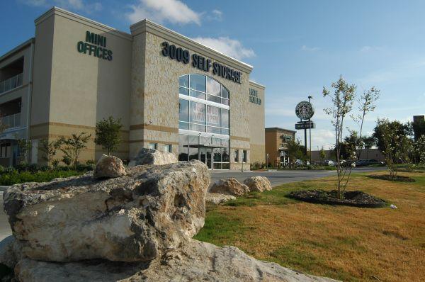 SurePoint Self Storage- 3009 17305 IH-35 North Schertz, TX - Photo 2