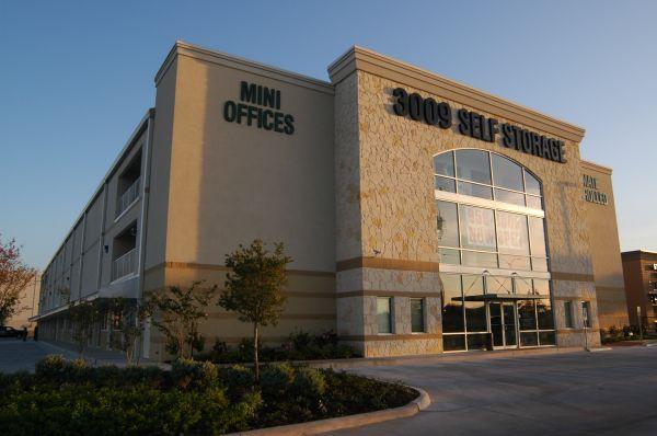 SurePoint Self Storage- 3009 17305 IH-35 North Schertz, TX - Photo 1