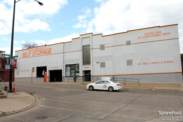 Foster Ravenswood Self Storage1800 W Ave Chicago Il Photo 0