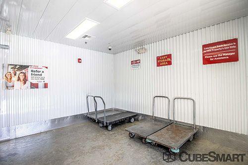 CubeSmart Self Storage - Orlando - 1015 N Apopka Vineland Rd 1015 N Apopka Vineland Rd Orlando, FL - Photo 16