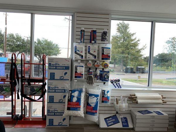 Hello Self Storage 6631 Larmanda St Dallas, TX - Photo 2