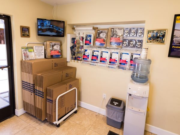Airport Mini Storage - Riverside - 7044 Arlington Avenue 7044 Arlington Avenue Riverside, CA - Photo 4