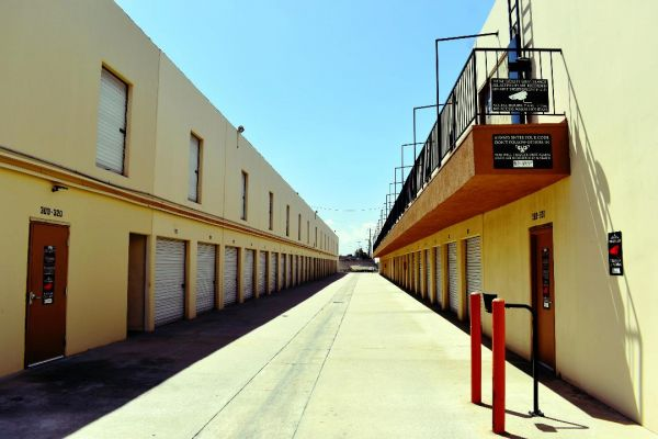 Guardian Storage - Fullerton - 2150 E Orangethorpe Ave 2150 E Orangethorpe Ave Fullerton, CA - Photo 8