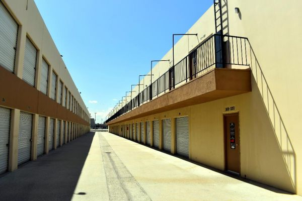 Guardian Storage - Fullerton - 2150 E Orangethorpe Ave 2150 E Orangethorpe Ave Fullerton, CA - Photo 9