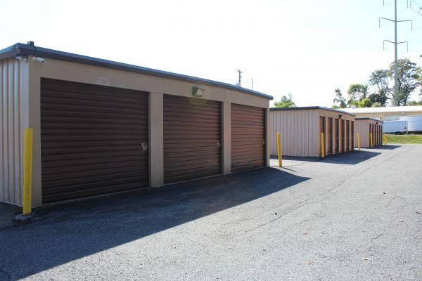 Budget Store and Lock-Washington St. 333 Washington St Bethlehem, PA - Photo 3