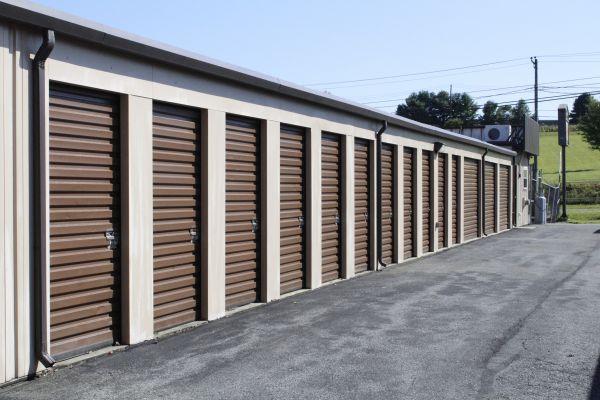 Budget Store and Lock-Washington St. 333 Washington St Bethlehem, PA - Photo 4