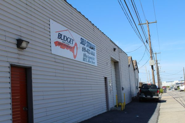 Budget Store and Lock-1014 N Quebec St 1014 N Quebec St Allentown, PA - Photo 3