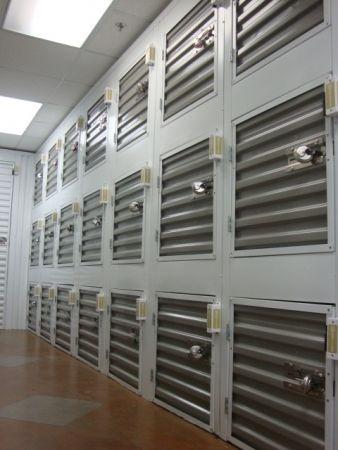 Stor Self Storage - South Lamar 2201 Kinney Rd Austin, TX - Photo 3