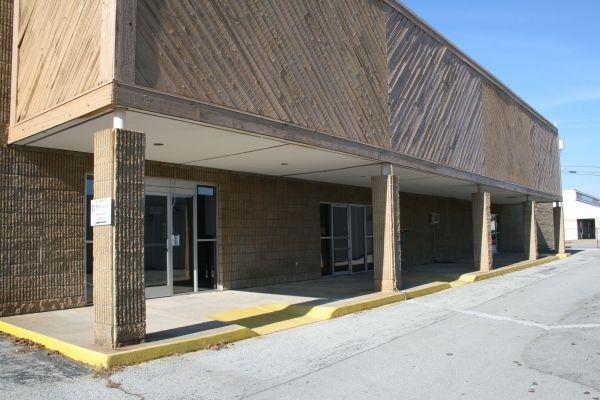 Storage King USA - Chattanooga 5027 Hixson Pike Hixson, TN - Photo 3