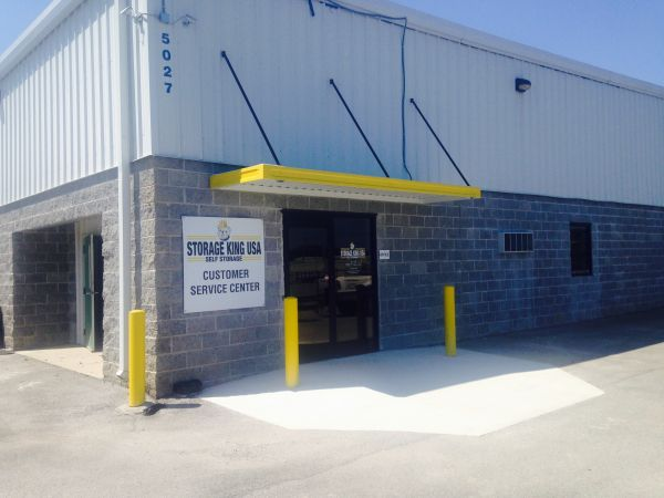 Storage King USA - Chattanooga 5027 Hixson Pike Hixson, TN - Photo 1