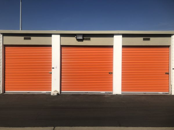 Security Self Storage - Standard Storage 6601 W Goshen Ave Visalia, CA - Photo 1