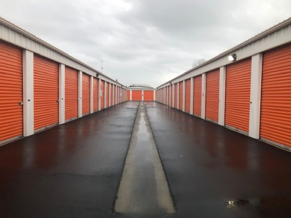 Security Self Storage - Parking, Standard and Climate Controlled Units 6707 W Goshen Ave Visalia, CA - Photo 3
