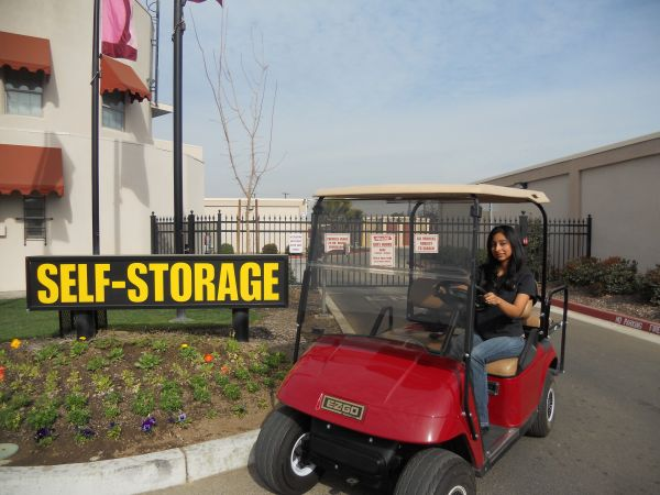 Mayfair Self Storage 3199 E Mckinley Ave Fresno, CA - Photo 4