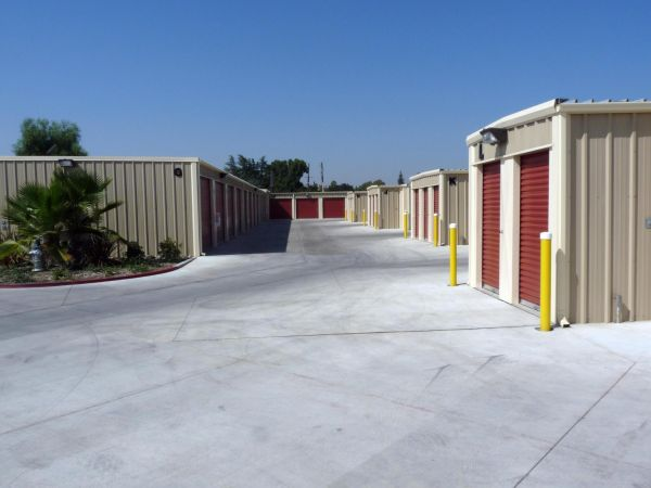 Mayfair Self Storage 3199 E Mckinley Ave Fresno, CA - Photo 5