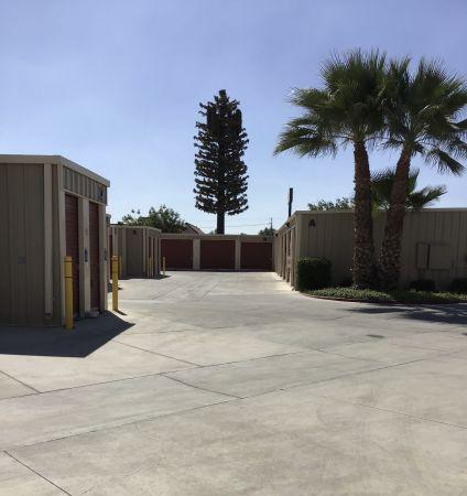 Mayfair Self Storage 3199 E Mckinley Ave Fresno, CA - Photo 2