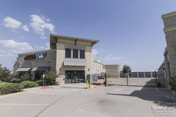 Advantage Storage - Las Colinas 330 W. IH635 Irving, TX - Photo 0