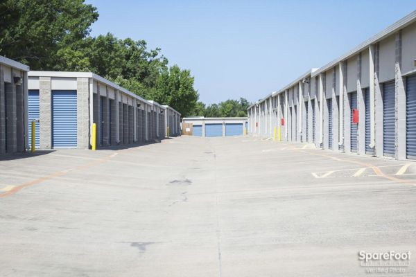 Advantage Storage - Rowlett 5200 Lakeview Pkwy Rowlett, TX - Photo 4