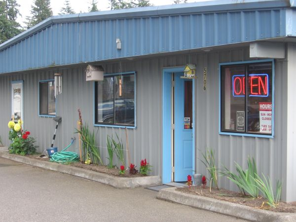 SHUR LOCK SELF STORAGE 5706 160th St E Puyallup, WA - Photo 2
