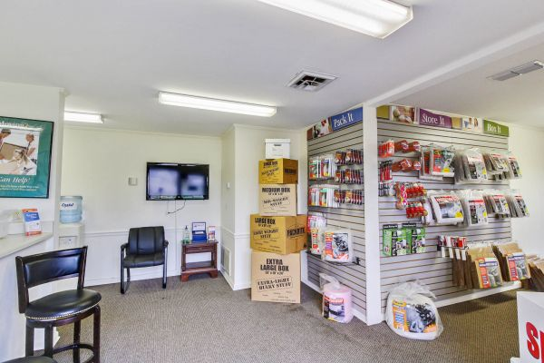 US Storage Centers - Murfreesboro - 1323 NW Broad St 1323 NW Broad St Murfreesboro, TN - Photo 9