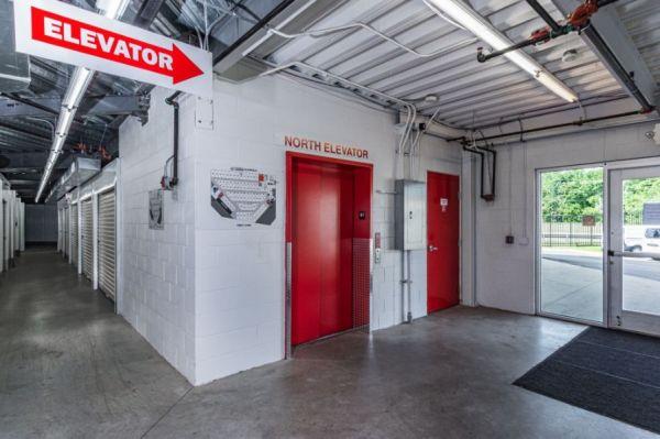 National Storage Centers - Bloomfield 540 S Telegraph Rd  Pontiac, MI - Photo 5