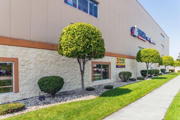 National Storage Centers - Bloomfield 540 S Telegraph Rd  Pontiac, MI - Photo 0