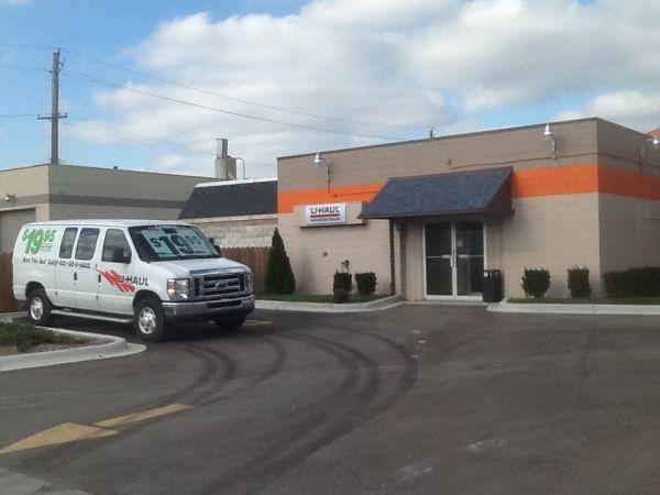 SAFE Keeping Storage - A 26400 W 8 Mile Rd Southfield, MI - Photo 3