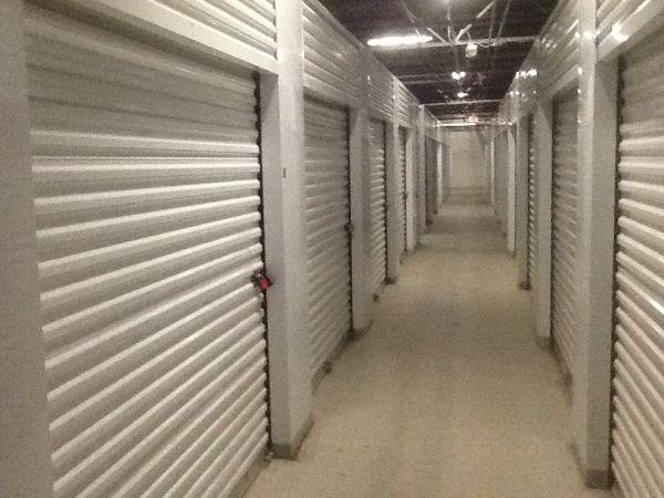 SAFE Keeping Storage - A 26400 W 8 Mile Rd Southfield, MI - Photo 4
