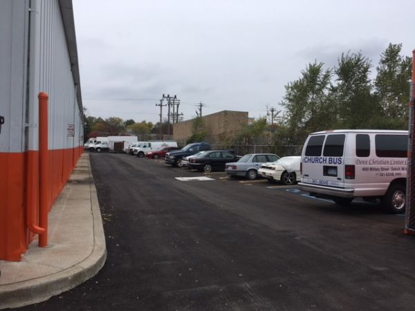 SAFE Keeping Storage - A 26400 W 8 Mile Rd Southfield, MI - Photo 15