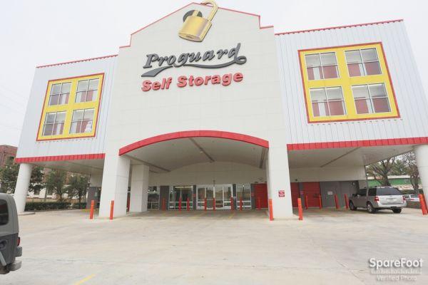 Proguard Self Storage - Memorial Heights / Washington 3770 Center St. Houston, TX - Photo 1