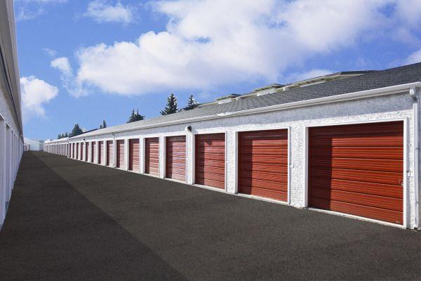 StorageMart - San Pedro & W Olmos 400 W Olmos Dr San Antonio, TX - Photo 4