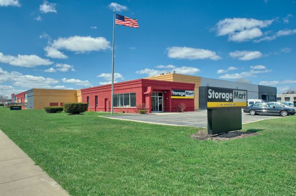 StorageMart - North Ave & I-355 100 W North Ave Lombard, IL - Photo 0