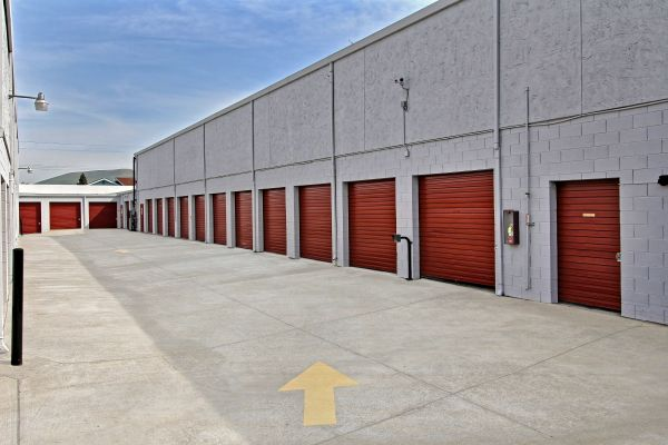 StorageMart - Clayton Rd & Ayers 5115 Clayton Rd Concord, CA - Photo 2