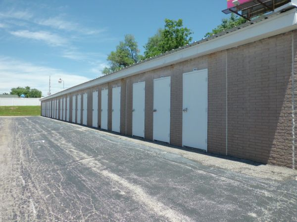 A Storage Inn - Hwy 94 2130 Old Highway 94 South St Charles, MO - Photo 3