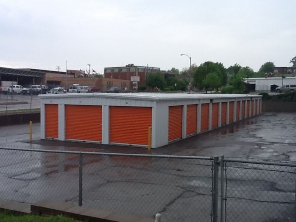 A Storage Inn - Kingshighway 4677 Lansdowne Ave St Louis, MO - Photo 3