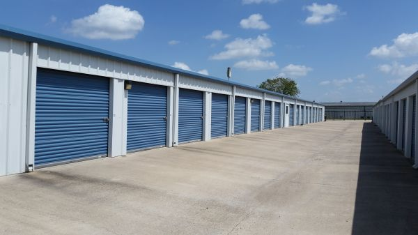 Store It All Storage - Del Valle 5280 East Highway 71 Del Valle, TX - Photo 4