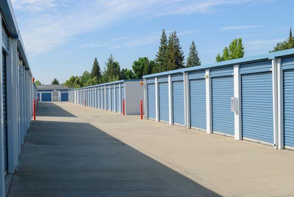 Loomis Self Storage 5950 Jetton Ln Loomis, CA - Photo 4