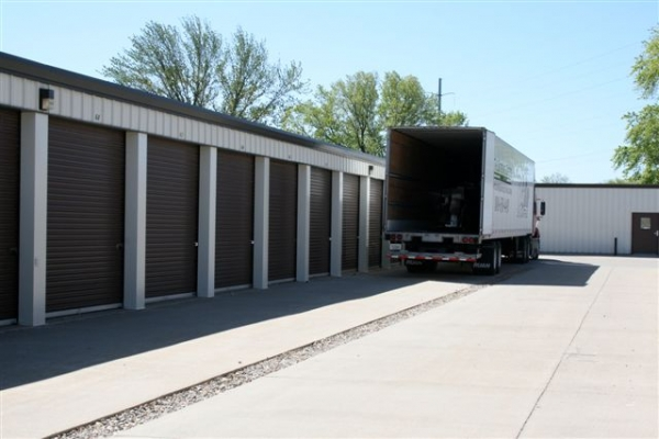 Affordable Self-Storage201 8th Street - Sergeant Bluff, IA - Photo 4