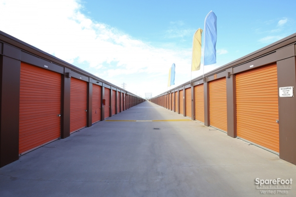 Redondo Torrance Mini Storage3701 Inglewood Ave - Redondo Beach, CA - Photo 8