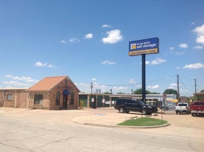 Uncle Bob's Self Storage - Arlington - Blue Danube St1401 Blue Danube St - Arlington, TX - Photo 0