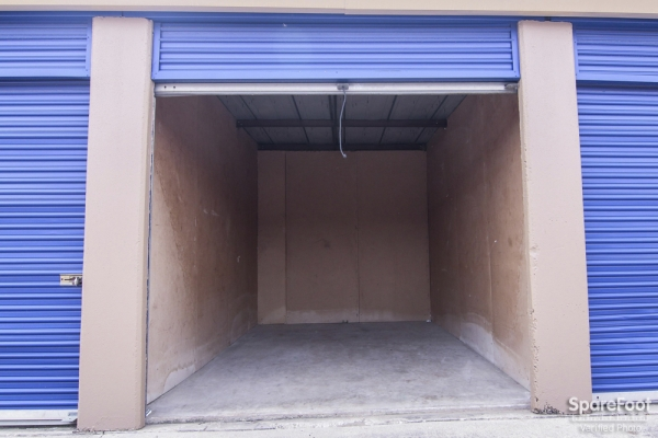 Macho Self Storage - Irving3930 Valley View Ln - Irving, TX - Photo 7