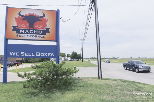 Macho Self Storage - Irving3930 Valley View Ln - Irving, TX - Photo 14