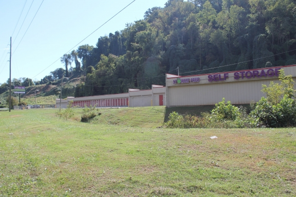 Storage Pros - Knoxville - Chapman Hwy4709 Chapman Highway - Knoxville, TN - Photo 3