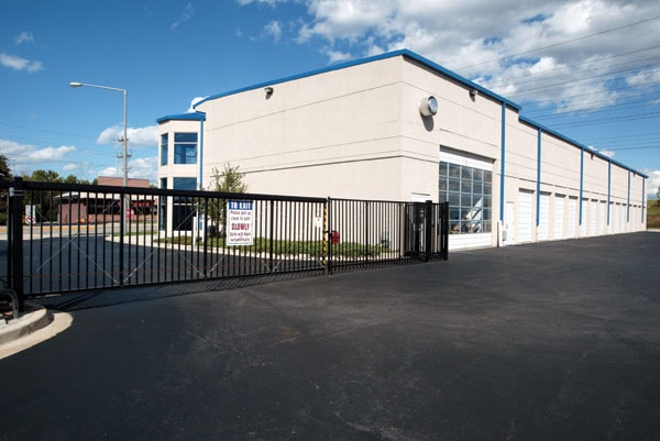 The Lock Up Storage Centers - Lisle431 Ogden Avenue - Lisle, IL - Photo 3