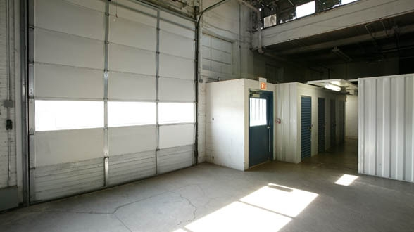 Metro Self Storage - Chicago/E. 87th St.1001 E 87th St - Chicago, IL - Photo 8